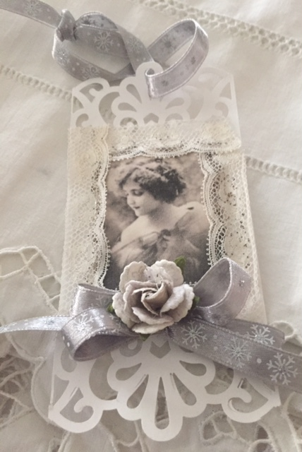 Cut-out Angel Tag