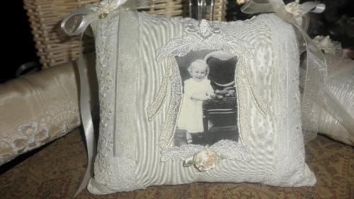 Ecru Pillow/Little Girl